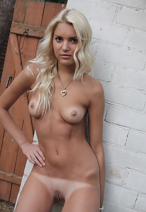 Tanned Porn Pictures